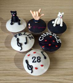 Cupcakes rockeros / Mano rockera / Música / gatos / feliz cumpleaños