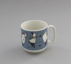 Arabia, muki, Muumipoika | Astiataivas.fi - Vanhojen astioiden ystävien löytöpaikka Moomin Mugs, Tove Jansson, Blue And White China, Finland, Nostalgia, Indoor, Tableware, Vintage, Design