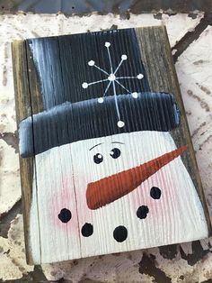 Rustic Wooden Snowman Christmas Home Decor Wood Snowman #WoodCraftsSnowman