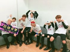 BTS Bighit [160702] Trans @bts_bighit : [#Today's Bangtan] Thank you to ARMYs who's came to concert #BTS '화양연화 On Stage : Epilogue in Nanjing! You're my Miss Right,  You're the Best