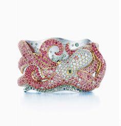 Return to Tiffany Bracelet. Happiness is in a Tiffany Blue Heart! So cute.