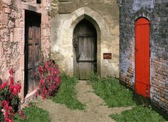 And behind the door on the left....  via Serendip Brwn Mawr