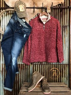 The Lawton - Cush sweater pullover. Barn Red shearling tipped pile. Stand up collar. metal zip front with pull tab. Fall Fashion Outfits, Fall Winter Outfits, Autumn Fashion, Casual Outfits, Cute Outfits, Winter Clothes, Fall Capsule Wardrobe, Casual Looks, My Style