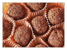 14 ideas de regalo a 0 Euros! Veggie Recipes, Dessert Recipes, Chocolate World, Small Desserts, Candy Cakes, Portuguese Recipes, Portuguese Food, Truffles, Deli