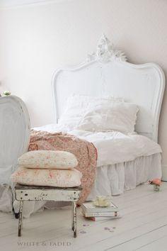 cottage-ladydi:http://www.lookslikewhite.com/blog/