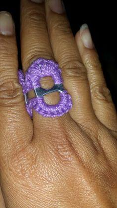 Yup crochet soda tabs ring Soda Tab Crafts, Bottle Top Crafts, Can Tab Crafts, Dyi Crafts, Crochet Crafts, Crochet Rings, Crochet Hooks, Pop Top Crochet, Diy Jewelry