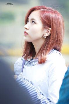 Kobe Japan, Sana Momo, Becoming An Actress, Myoui Mina, Kpop Girls, Girl Group, Korean, Actresses, Hair