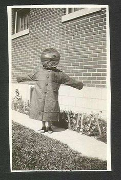 Terrifying Vintage Halloween Costumes | Creepy Old Halloween Costumes