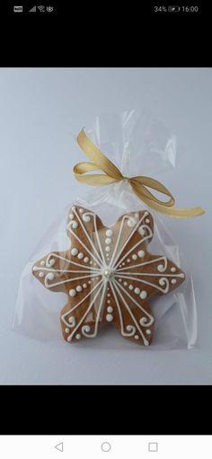 Gingerbread Castle, Christmas Gingerbread, Gingerbread Cookies, Royal Icing Cookies, Cake Cookies, Sugar Cookies, Holiday Baking, Christmas Baking, Christmas Goodies