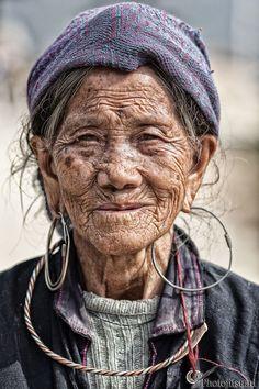Village Elder In Sapa, Vietnam | Bored Panda