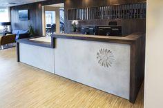 Implenia - Reception design by Iark. Photo by Ida Fiskaa. Bright Office, Open Office, Scandinavian Office, Scandinavian Design, Reception Design, Reception Areas, Office Lobby, Interior Architecture, Interior Design