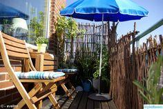 söderbalkong,söderläge,parasoll,utemöbler,balkong