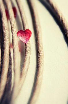 http://misssilcrecloset.blogspot.it/2012/11/fall-colors-part-iii-little-red-riding.html  Heart Strings....