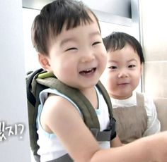 Daehan and Manse ❤️ Love Daehan's smile here | The Return of Superman