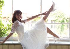 Passend zu deinem kurzen Brautkleid, gibt es bei uns natürlich tolle Hingucker Brautschuhe! z.B. von @elsacoloured. http://crusz.de Foto: Elsa Coloured Shoes