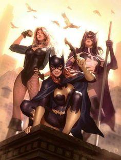 Black canary, huntress and batgirl