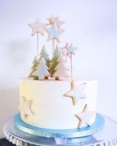 Frohe Weihnachten ihr Lieben!  #mundushannover #handmade #fineartbakery #christmas #delicious #hanover #cake #christmas2018 #christmastime #hannover #winter #instabakery #foodporno #yummi  Fotos: @martinwehrmann Candy Bar: @mundushannover