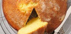 La torta all'acqua è un dolce molto particolare: si prepara infatti senza uova, senza latte e senza burro! Come? Scoprite qui la ricetta.