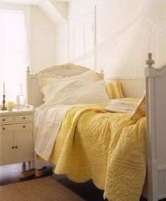 the look I want for the bed in my vintage trailer - already have the yellow quilt and lacy white sheets