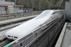 Giappone, il treno Maglev supera i 600 chilometri orari. 21 aprile 2015.