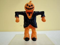 1940s-Vintage-Halloween-Scarecrow-Candy-Container