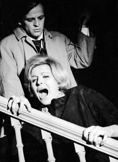 Klaus Kinski, Sabina Sesselmann in Das Geheimnis der gelben Narzissen, D/GB 1961