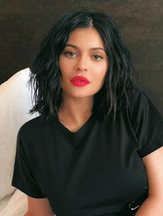 Looking for the best way to bob hairstyles 2019 to get new bob look hair ? It's a great idea to have bob hairstyle for women and girls who have hairstyle way. You can get adorable and stunning look with… Continue Reading → Short Dark Hair, Short Straight Hair, Short Wavy, Short Hair Cuts, Short Hair Styles, Long Bob Hairstyles, Trending Hairstyles, Hairstyles With Bangs, Bob Haircuts