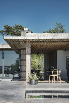 Summerhouse on Gotland Cabins In The Woods, House In The Woods, My House, Scandinavian Architecture, Modern Architecture, Small Cottages, Next At Home, Prefab, Deco