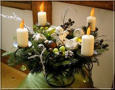 GIFS HERMOSOS: COSAS NAVIDEÑAS ENCONTRADAS EN LA WEB Christmas And New Year, Merry Christmas, Candle Lanterns, Candles, Gifs, Table Decorations, Blog, Image, Furniture