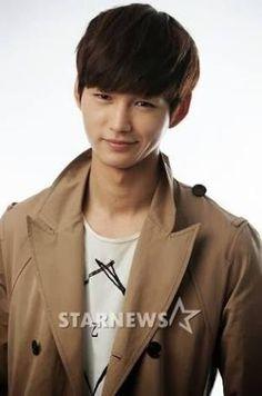 (2) Lee Won Geun - Tìm kiếm Twitter