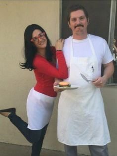 Set major this Halloween with the best DIY Couples Halloween Costumes. Try these Easy DIY Halloween Costumes for Couples with your partner. Bob's Burgers Halloween Costume, Clever Couples Halloween Costumes, Bobs Burgers Costume, Burger Costume, Pregnant Halloween Costumes, Funny Couple Halloween Costumes, Halloween Outfits, Diy Costumes, Pirate Costumes