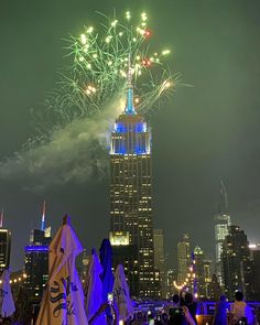 We hope everyone had an amazing July 4th weekend. Open today! Brunch and dinner noon to midnight. . . .#nycfireworks #fourthofjuly #fourthofjulynyc… Rooftop Bars Nyc, Fire Works, Fourth Of July, Empire State Building, New York City, Brunch, Dinner, Amazing, Dining