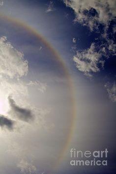 Paint the sky - rainbow halo around the sun