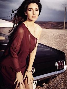 Italian actress Monica Bellucci (D`management Group) fronts the cover of Grazia magazine France, April issue. Photographed by Riccardo Tinelli. Malena Monica Bellucci, Monica Bellucci Photo, Monica Belluci, Norman Jean Roy, Grazia Magazine, Divas, Italian Actress, Italian Beauty, Us Cars