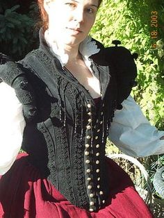 Middle class doublet with kirtle. Making explanation, and pictures.