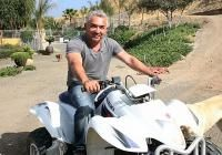 Cesar and Canine Crowd Control | Cesar Millan