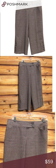 """NWOT CAbi Brown Glen Plaid Gaucho Pants CAbi Glen Plaid Gaucho Pants    *New without Tags    Details:  CAbi  Size: 4  Color: Brown  Style Gaucho  Side tab button/zip front closure  Two front pockets  Two rear, flap pockets  5-button detail at the hem  Polyester/Rayon/Spandex    Measurements:  Waist: 30""""  Hips: 38""""  Inseam: 24""""  Front Rise: 10"""" CAbi Pants Ankle & Cropped Brown Fashion, Plus Fashion, Womens Fashion, Fashion Trends, Brown Style, Glen Plaid, Gaucho, Pants For Women, Outfits"""