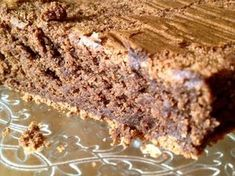 Este es un Pastel de VICIO TOTAL, no tiene nada que ver con un brownie ni en sabor ni en textura, aunque se parezcan bastante, este pastel, es bajo en azú...