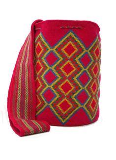 Wiggly Crochet, Free Crochet, Crochet Bags, Tapestry Bag, Tapestry Crochet, Mochila Crochet, Boho Bags, Handmade Bags, Pattern Making
