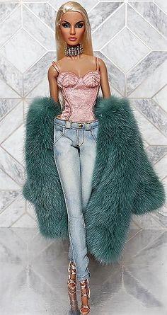 Fashion Royalty Dolls, Fashion Dolls, Pretty Dolls, Beautiful Dolls, Makeup Kit For Kids, Glamour Dolls, Barbie Fashionista, Barbie World, Baby Girl Dresses