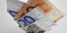 LKS 20110822 Euroja kukkarossa. ... Euros in a purse. LEHTIKUVA Matti Björkman