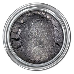 (Gunmetal silver) Oh how we love silver… almost as much as we love versatility! Whether you wear this shimmery gunmetal-grey shadow alone or as a stunning accent to another color, it will likely soon