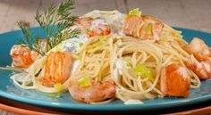 Espagueti con salmón y gambas