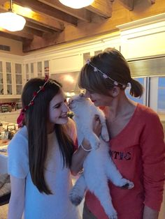 Taylor spent Valentine's with a fan // Okay, I love this
