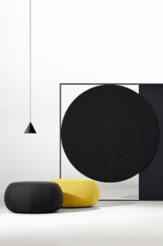 Office lounge with freestanding Parentesit panels | Lievore Altherr Molina