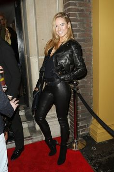 Kimberley Garner Photos - 'Made In Chelsea' star Kimberley Garner attends a private view exhibition by Hollywood photographer Tyler Shields of his new work at the Imitate Modern gallery in London. - Celebs Attend a Photo Exhibition Cargo Jacket Mens, Green Cargo Jacket, Grey Bomber Jacket, Kimberley Garner, Sexy Outfits, Fashion Outfits, Leather Gloves, Leather Jacket, Men's Leather