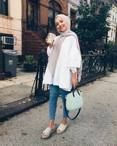 I just love Islamic Fashion so this is my Islamic range? Hijab Fashion Summer, Modern Hijab Fashion, Street Hijab Fashion, Hijab Fashion Inspiration, Islamic Fashion, Muslim Fashion, Abaya Fashion, Fashion Muslimah, Hijab Fashion Style