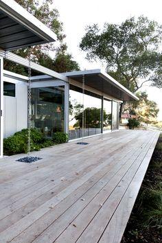 IT House prefab home - decking. Solar Powered Garden Lights, Modern House Plans, Modern Houses, Tiny Houses, Prefab Homes, Modular Homes, Indoor Outdoor Living, House Goals, Residential Architecture