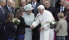 queen meets pope   Pope Benedict XVI and Britain's Queen Elizabeth II greeted students ...