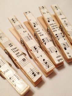 6 Favor Bag Clips Place Card Holders Escort Card by MonAmiePaperie, $5.44